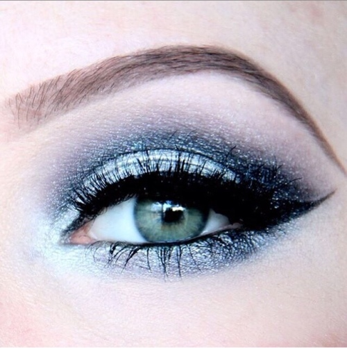 Zilver Glitter with black make-up look