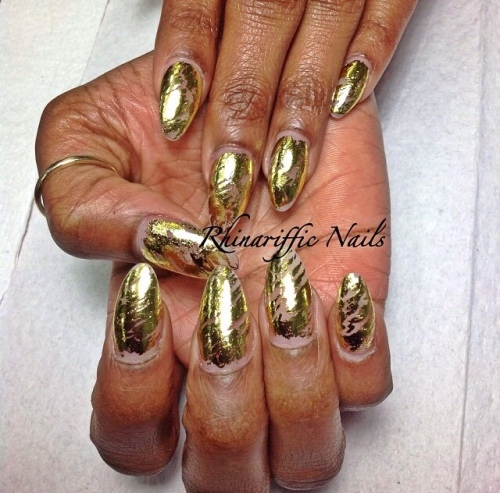 Gold @rhinarifficnails
