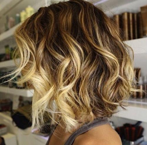 Curly boblijn