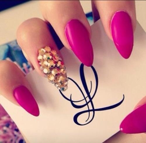 Nail art roze met goud
