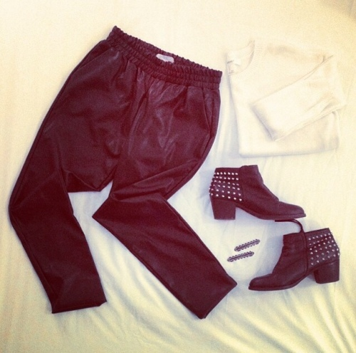 Baggy Leather Look pants