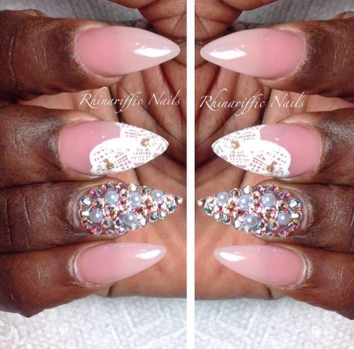 @rhinariffic nails