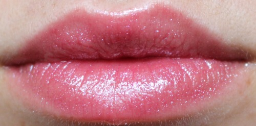 Lipgloss Yes Love Lip Swatch